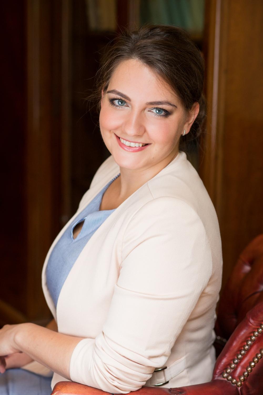 Dr. Anna Sebestyén