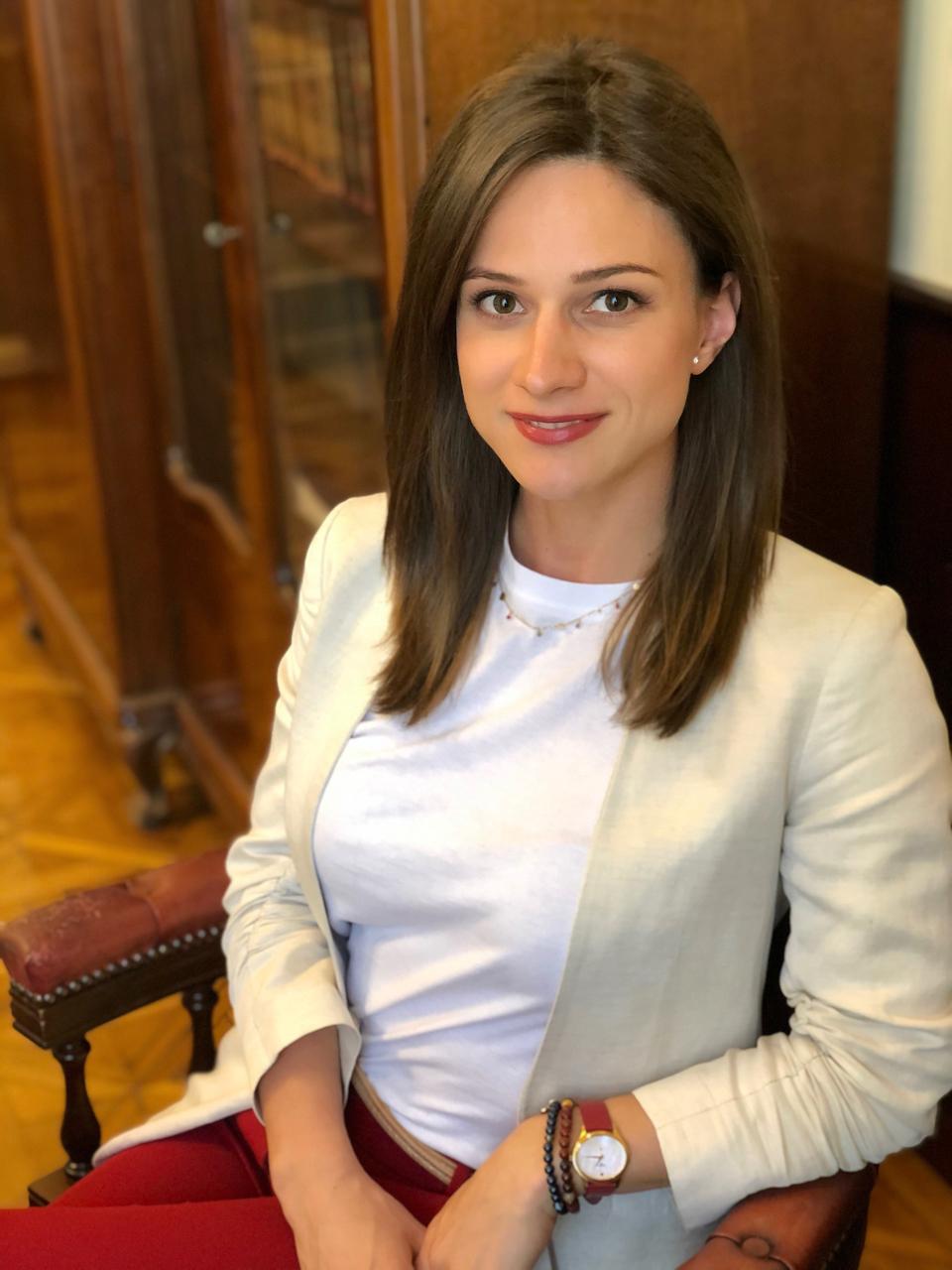 Dr. Eszter Matisz